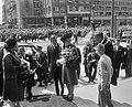 Prinses Beatrix en Claus bezoeken Rotterdam, Prinses Beatrix en Claus op de pier, Bestanddeelnr 917-9506.jpg