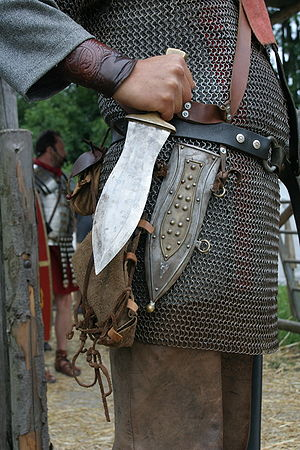 Roman military personal equipment - Reconstruction of a pugio: a Roman soldier from a northern province