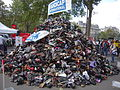Pyramide de chaussure 2015, Paris (22).jpg