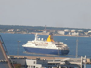 Quest for Adventure departing Tallinn 12 August 2012.JPG
