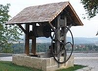 Radbrunnen in St. Anna.JPG