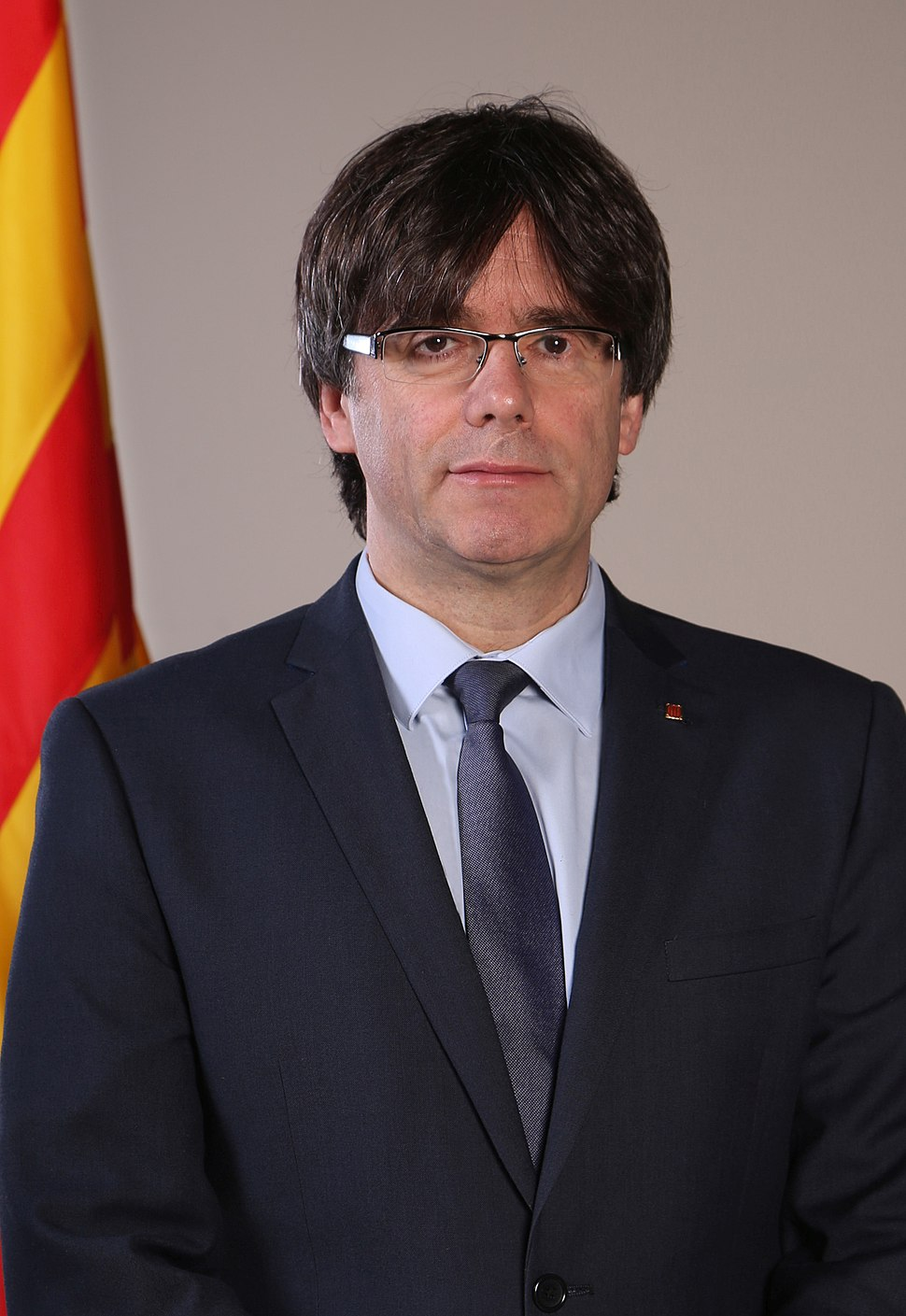 Retrat oficial del President Carles Puigdemont cropped