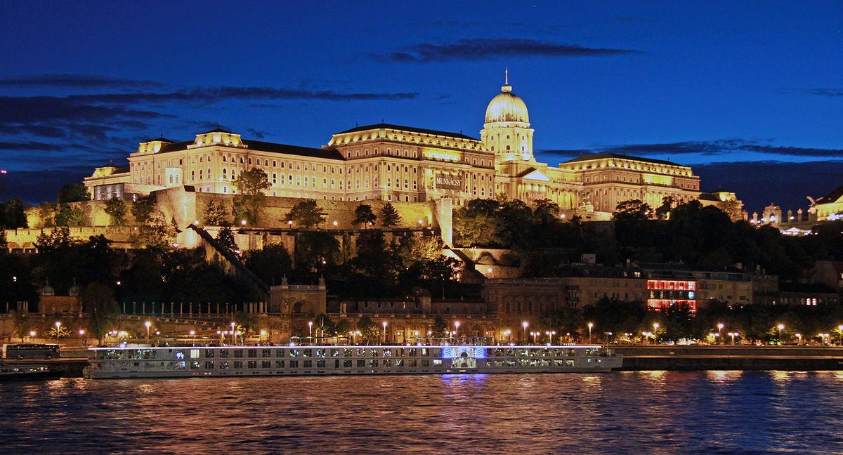 Castello di Buda - Wikipedia