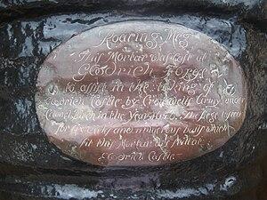 Roaring Meg (cannon) - Plaque on Roaring Meg at Goodrich Castle