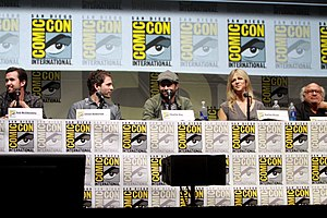 It's Always Sunny in Philadelphia - McElhenney, Howerton, Day, Olson, and DeVito at the 2013 San Diego Comic-Con.