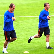 Robben (left) with Wesley Sneijder training for the Netherlands.