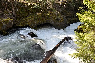 Course of the Rogue River (Oregon) - Below Natural Bridge along the upper Rogue River