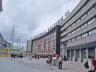 Rotterdam Centraal station - Rotterdam's former Centraal Station by architect Sybold van Ravesteyn built 1950-1957.