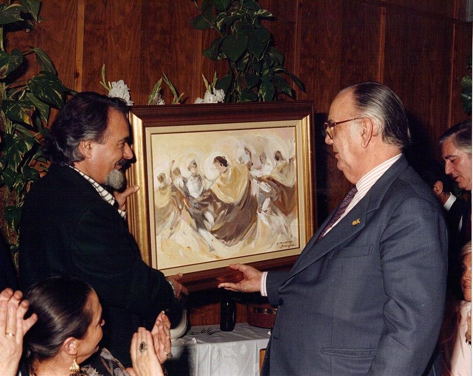 Ruizanglada - 1988 Camilo José Cela recibe una obra de Ruizanglada en el homenaje de la Peña Solera Aragonesa Little