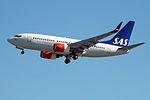 SE-REY Boeing 737-600 SAS (14807085794).jpg