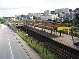 Gdynia Stocznia railway station - Image: SKM Gdynia Stocznia 2006 08 02 160058 ubt