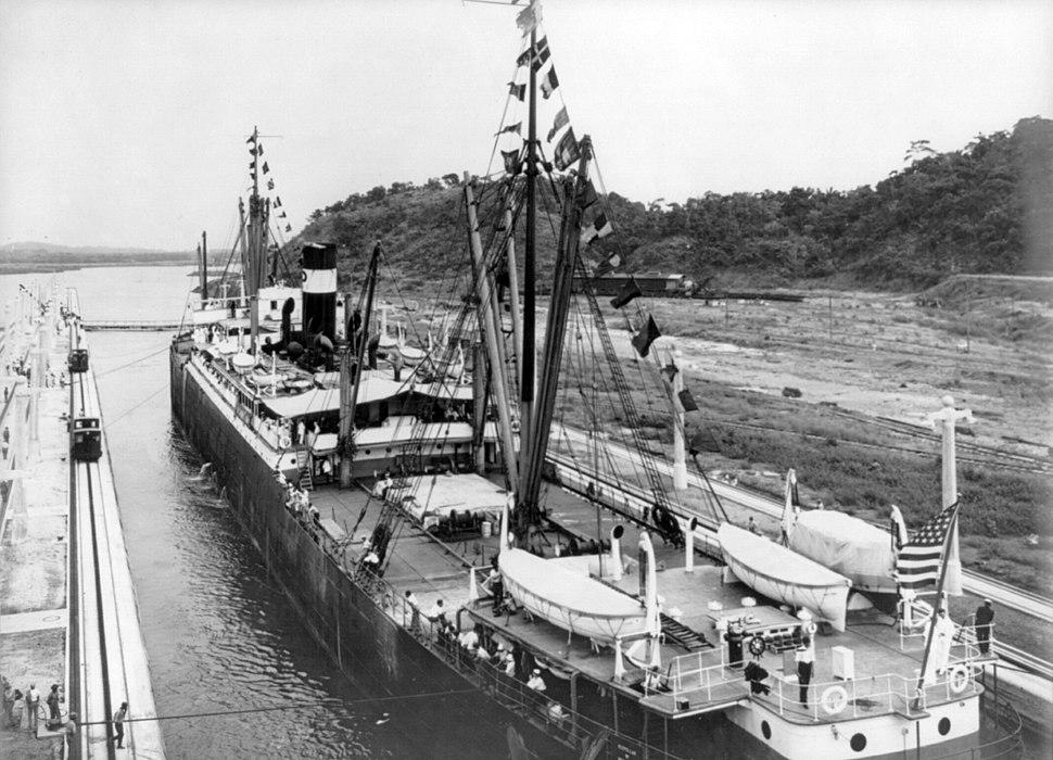 SS Ancon entering west chamber cph.3b17471u