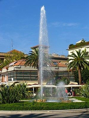 San Benedetto del Tronto - San Benedetto del Tronto seafront - fountain in Giorgini Square