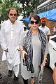 Sanjay Khan, Zarine Khan visits Dara Singh's home 05.jpg