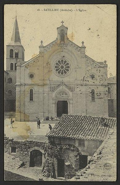 File:Satillieu (Ardèche). - L'Eglise (34441840601).jpg