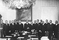 V roce 1913 se Woodrow wilson rozešel s zvykem, který se datuje do Jeffersonova dne, když on