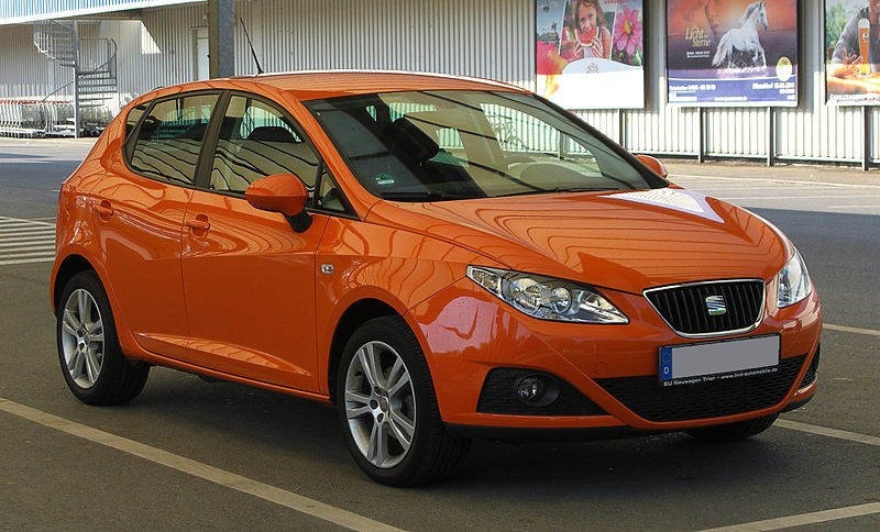 Fitxer:Seat Ibiza (6J) – Frontansicht, 25. April 2011, Ratingen.jpg