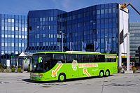 Setra S 417 GT-HD 5867 Flughafen Wien-Schwechat.jpg