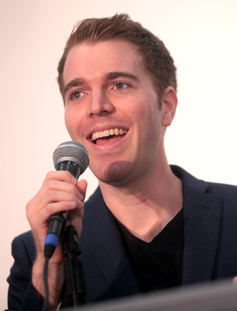 Shane Dawson (14558760423) (2) (cropped)