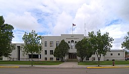 The Sheridan County Courthouse i Plentywood.