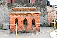 Shrine near Chabahil stupa.jpg