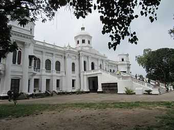 Side view of Tajhat Palace, Rangpur, 03-09-2016 01.jpg