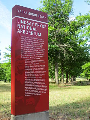 Lindsay Pryor National Arboretum - Image: Signage Lindsay Pryor National Arboretum