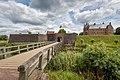 Slot Loevestein, Poederoijen, zicht op de poort.jpg