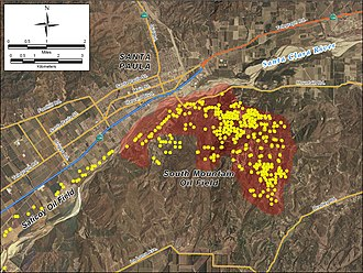 South Mountain Oil Field - Detail of the South Mountain field, showing its location relative to Santa Paula in the Santa Clara River Valley. Yellow dots represent locations of active oil wells as of 2008.