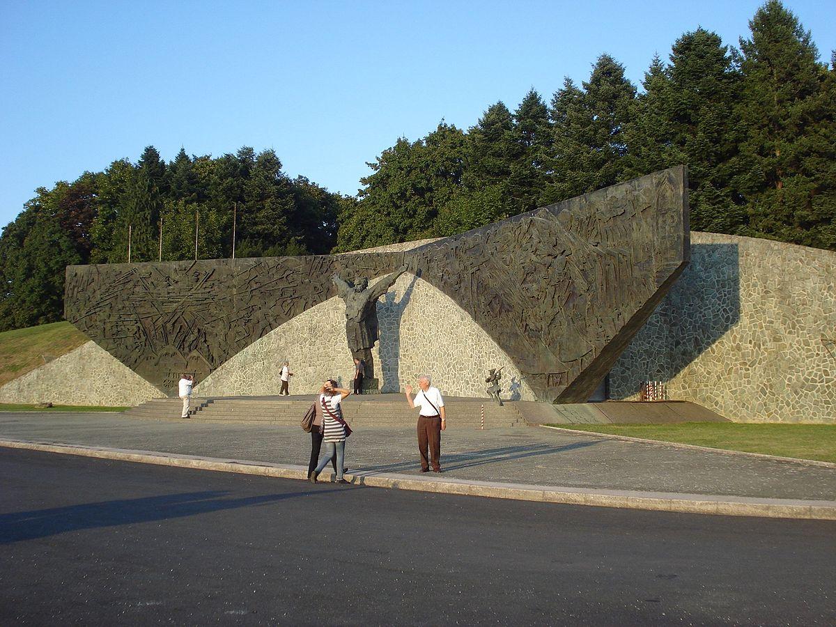 File Spomenik Seljackoj Buni 1573 Bok Jpg Wikimedia Commons