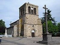 St.Etienne-le-Molard (Loire, Fr), église et monument aux morts.JPG
