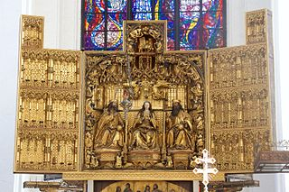 Altar of the coronation of Mary
