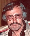 Stan Lee in 1975 (close-up).jpg