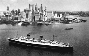 Diamonds Are Forever (novel) - RMS ''Queen Elizabeth'' approaching New York; Fleming travelled to the US on board, Bond took the ship back to Britain.