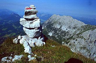 Alpine route - Cairn on the Treffauer