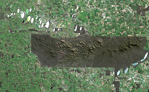 Stirling Range - Satellite image of the park. The sharp boundaries on all sides of the park show where agriculture immediately gives way to protected land