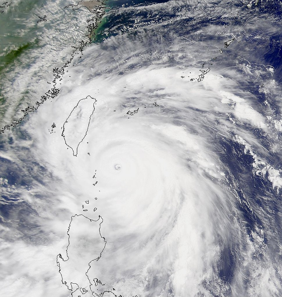 Super Typhoon Bills at peak intensity Aug 22 2000