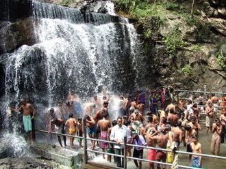 Suruli Falls - Suruli Falls