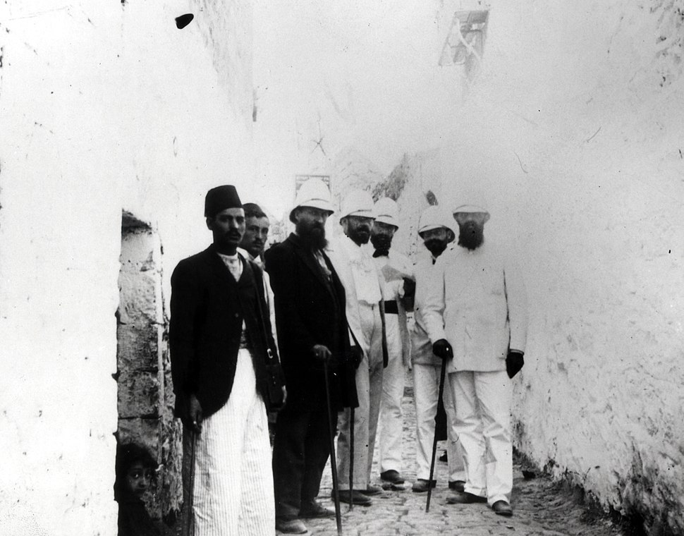 THEODOR HERZL WITH A ZIONIST DELEGATION IN THE OLD CITY OF JERUSALEM IN 1898. תאודור הרצל עם המשלחת הציונית בירושלים העתיקה - שנת 1898.