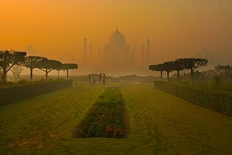 Tajmahal at Dawn.jpg