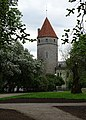 Tallinn Mediaeval Town Walls with towers 13.jpg