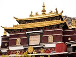 Tashi Lhunpo Monastery close up.jpg