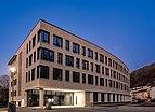 Technisches Rathaus Tübingen von der Brunnenstraße zur blauen Stunde 2019.jpg