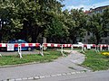 Thákurova, uzavřený park.jpg