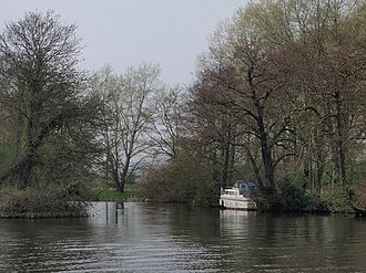Sonning Hill - The River Thames near Sonning Hill.
