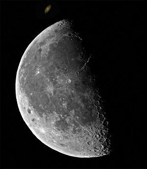 Sidewalk astronomy - The Moon and Saturn - typical sidewalk astronomy viewing targets