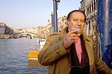 Tinto Brass nel 1990 a Venezia