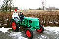 To born pa en traktor.jpg