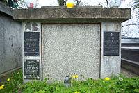 Tomb of Kędzierski family at Central Cemetery in Sanok (Matejki part) 2.jpg