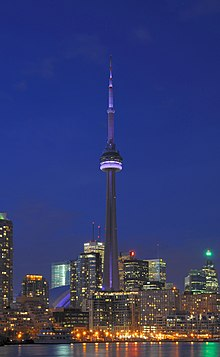 Toronto - ON - CN Tower bei Nacht.jpg